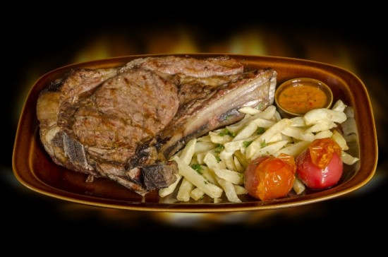 19-Bronco-Tierno-ChuletoÌ-n-de-ternera-lechal-Finca-Rodeo-Grill-20141029-0067-SIL